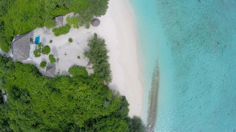 Hideaway-Maldives-villas-4-Beach-Residence-plunge-pool-aerial-1