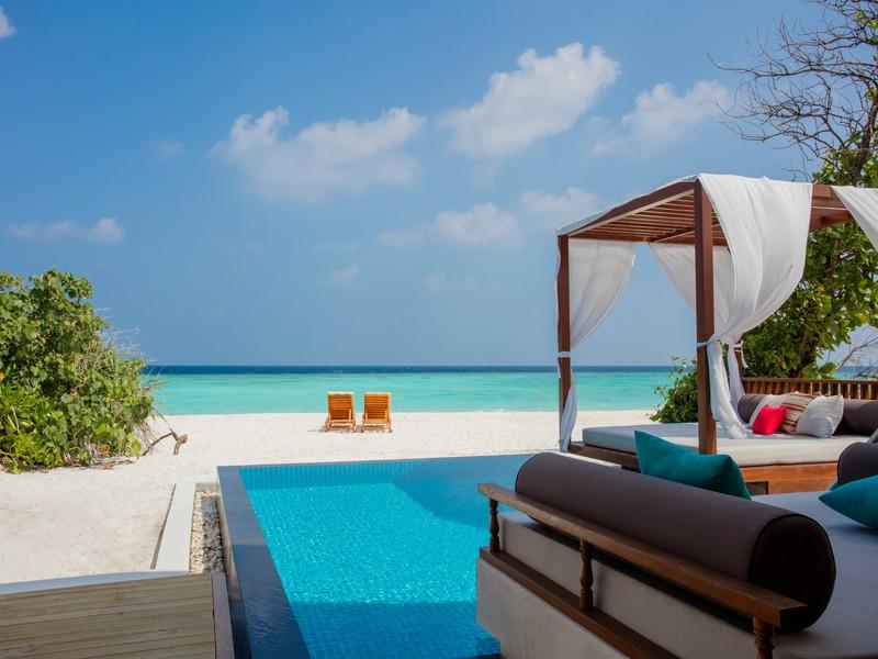 Beach Pool Villa Outside View (4)