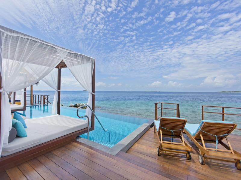 Two Bedroom Water Suite - Pool View (7)