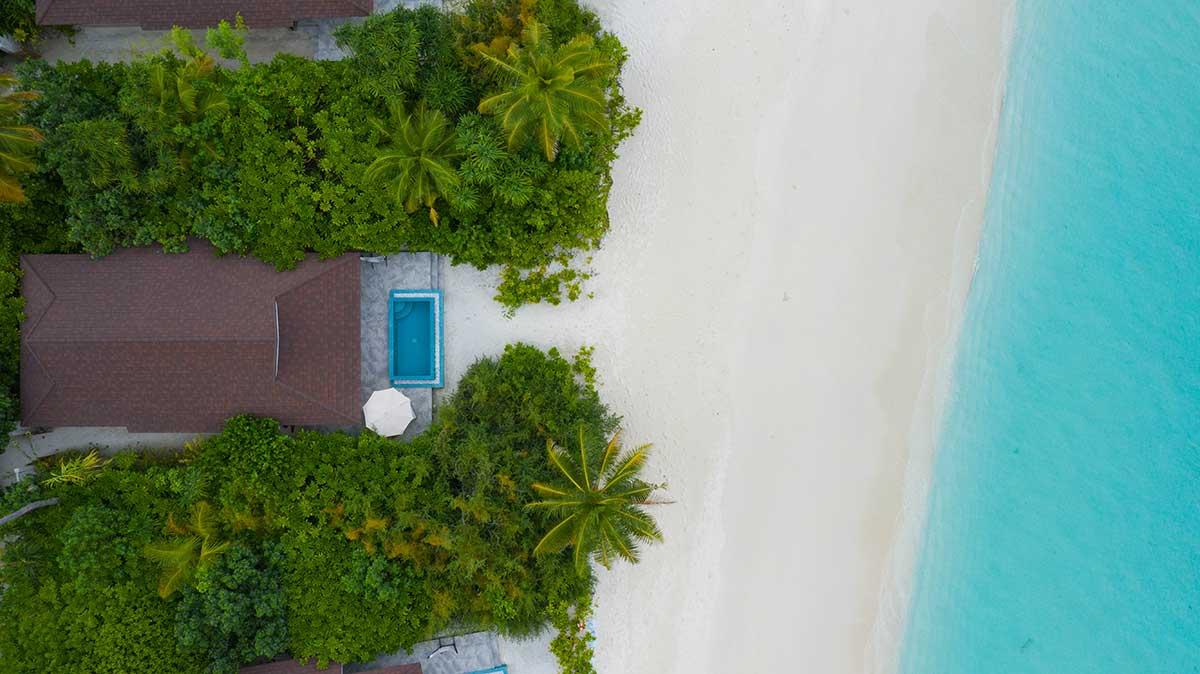 2-BR-Ocean-Beach-Villa-Exterior_004_The-Standard_Huruvalhi-Maldives
